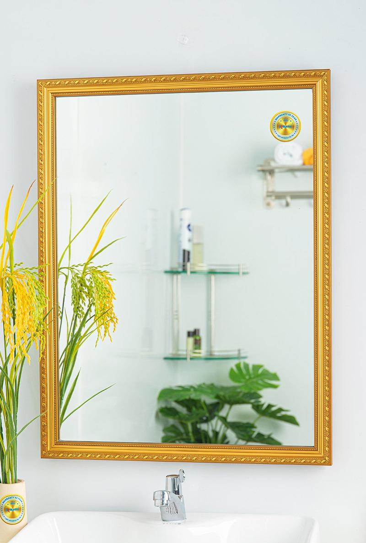 gương treo tường nhà tắm mạ vàng