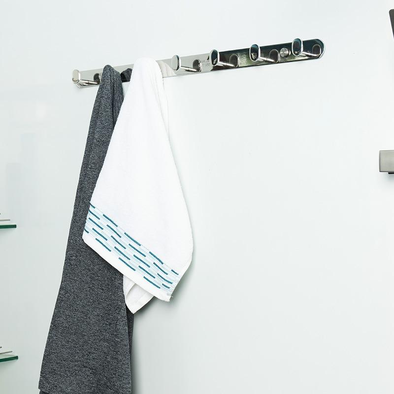 móc treo quần áo nhà tắm