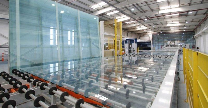 nhà máy sản xuất kính cường lực