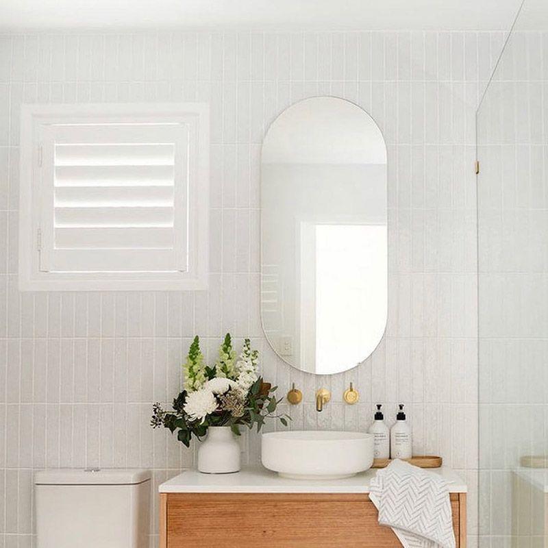 gương nhà vệ sinh hình bầu dục